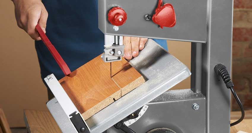 Bandsaw-in-Use